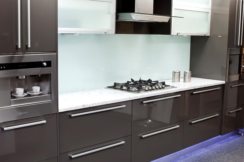 4 Kitchen Splashbacks Ideas That Match Up With Cabinets