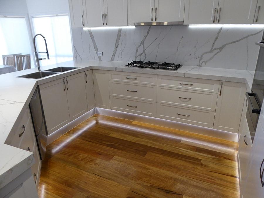 Custom Made Kitchen65