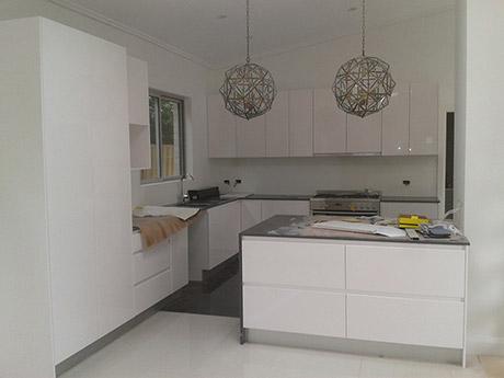 Custom Made Kitchen13