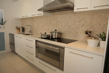 Custom Made Kitchen18