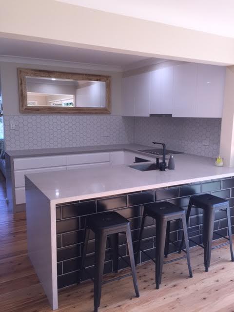 Custom Made Kitchen44