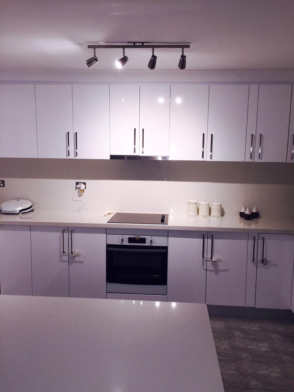 Custom Made Kitchen51-b