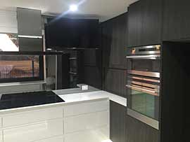 Custom Made Kitchen56