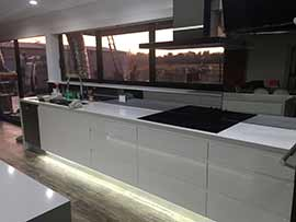 Custom Made Kitchen60