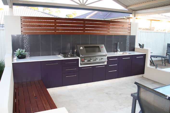 http://www.paradise-kitchens.com.au/images/gallery/outdoor-kitchen-b-2.jpg